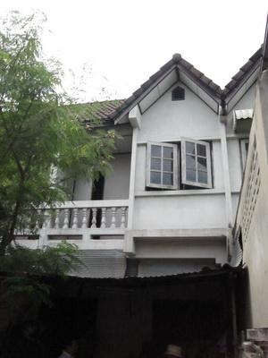 ขาย ทาวน์เฮาส์ หมู่บ้านเจ้าพระยาวิลล่า 2 ถ. พุทธมณฑลสาย3 ศาลาธรรมสพน์ ตลิ่งชัน กรุงเทพ 1 ล้าน