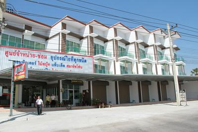 ขาย อาคารพาณิชย์ สร้างใหม่ อ เมือง จ เพชรบุรี ใกล้ โรงเรียน สารสาสน์ และ ราชภัฏเพชรบุรี 1