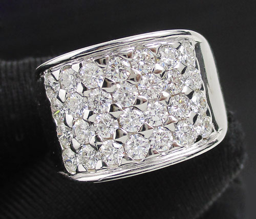 แหวน เพชรแถว 4 แถว เพชร 28 เม็ด 1.40 กะรัต ทอง14K งานสวยมาก นน. 9.80 g