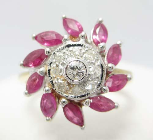 แหวน เพชร ล้อมทับทิม มาคีย์ เพชร 9 เม็ด 0.12 กะรัต งานทอง90 น่ารักมาก นน. 4.14 g