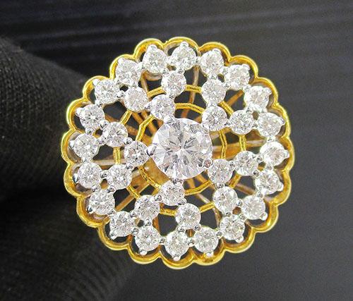 แหวน เพชร ฉลุลาย 1/0.35 ct ฝังเพชร 35/0.87 ct ทอง18K งานสวยมาก นน. 5.76 g