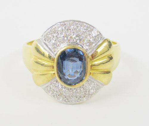 แหวน ไพลิน 1.50 กะรัต ฝังเพชร 18 เม็ด 0.62 กะรัต ทอง90 งานสวยมาก นน. 7.35 g 1
