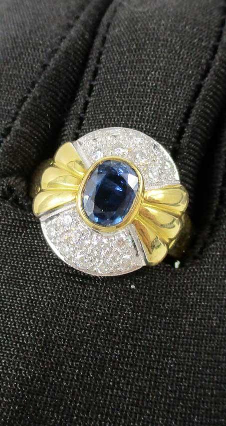 แหวน ไพลิน 1.50 กะรัต ฝังเพชร 18 เม็ด 0.62 กะรัต ทอง90 งานสวยมาก นน. 7.35 g 3
