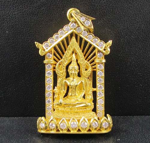 รหัสสินค้า 042388 พระพุทธชินราช เนื้อทองคำ กรอบทอง ฝังเพชร 40 เม็ด 1.38 กะรัต นน. 29.12 g