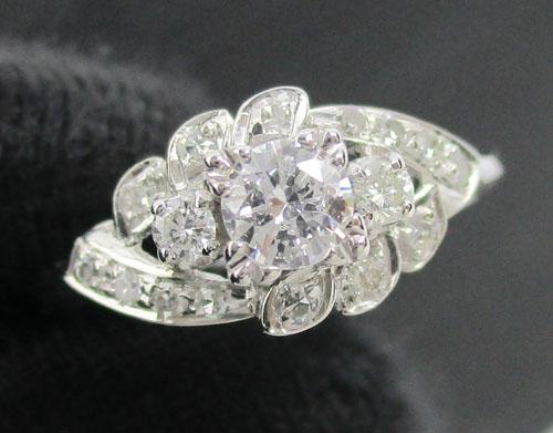 แหวน เพชรเดี่ยวชู 0.18 กะรัต ฝังเพชร 16 เม็ด 0.14 กะรัต งานทองขาวโบราณ(ปาหะ) นน. 1.72 g
