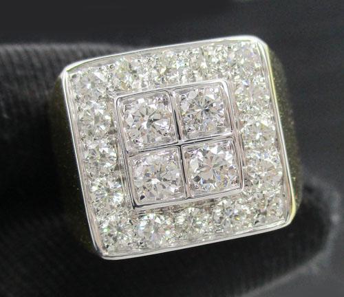 แหวน เพชรชาย ทรงสี่เหลี่ยม เพชร 4/0.40 ct ฝังเพชรข้าง 16/0.80 ct ทอง90 งานสวยมาก นน. 11.76 g