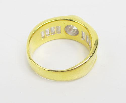 แหวน เพชรเดี่ยวชู 0.38 ct ฝังเพชรแทปเปอร์ 8/0.64 ct ทอง90 หลุดจำนำ งานสวยมาก นน. 11.82 g 2