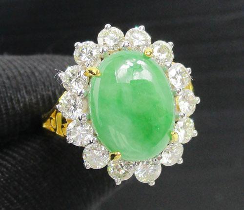 แหวน หยกพม่า หลังเบี้ย ล้อมเพชร 14 เม็ด 1.26 กะรัต ทอง90 เพชรขาว  นน. 6.05 g