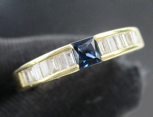 แหวน ไพลิน Princess ฝังเพชร Barguette 16 เม็ด 0.48 กะรัต ทอง18K หลุดจำนำ งานสวยมาก นน. 4.20 g