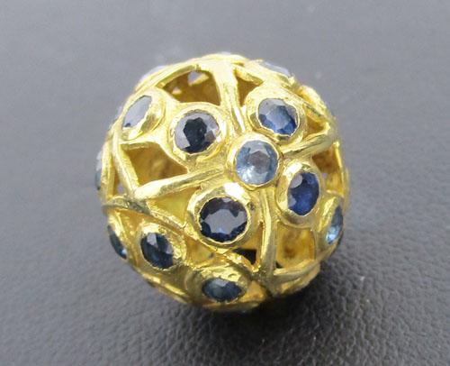 จี้ ลูกโลก ฝังไพลิน ฉลุลาย ทอง90 งานเก่า หลุดจำนำ สวยมาก นน. 5.78 g
