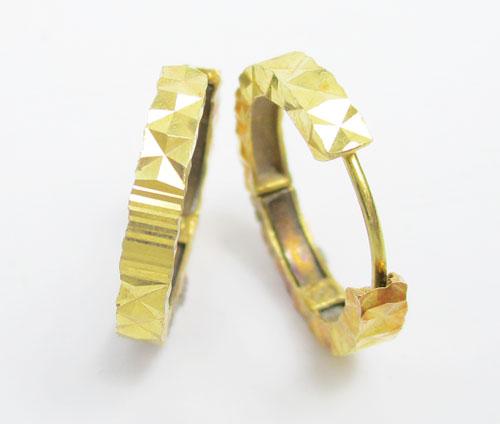 รหัสสินค้า: 50616 ต่างหู ห่วงทอง ตัดลาย ทอง90 งานเก่า หลุดจำนำ สวยมาก นน. 2.42 g 1