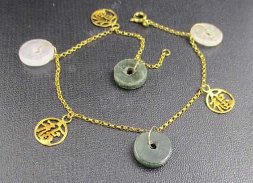 สร้อยข้อมือ หยก เหรียญจีน ฉลุลายฮก ตุ้งติ้ง ทอง9K งานเก่า หลุดจำนำ นน. 3.51 g