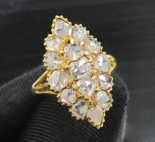 แหวน เพชรซีกลูกโลก ทรงมาคีย์ ทอง90 งานเก่า หลุดจำนำ สวยมาก นน. 3.80 g