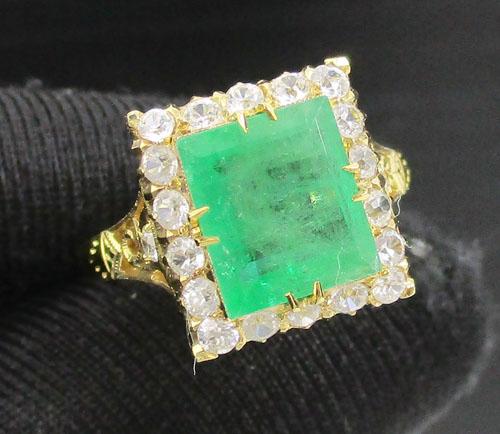 แหวน มรกต เจียร ล้อมพลอยขาว ทอง90 งานเก่า หลุดจำนำ สวยมาก นน. 3.42 g