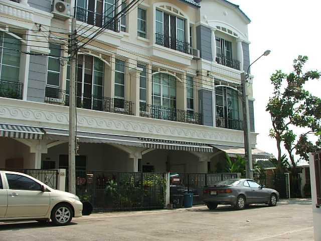 (บ้านเช่าไปแล้ว) บ้านเช่าศรีนครินทร์ / Home Office ให้เช่า บ้านกลางเมืองใกล้สี่แยกอ่อนนุช บ้านสวยมีเ
