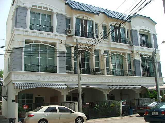 (บ้านเช่าไปแล้ว) บ้านเช่าศรีนครินทร์ / Home Office ให้เช่า บ้านกลางเมืองใกล้สี่แยกอ่อนนุช บ้านสวยมีเ 21