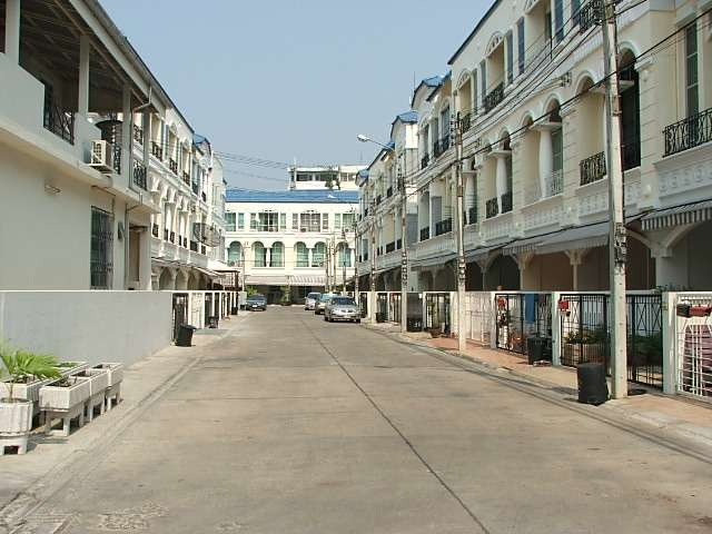 (บ้านเช่าไปแล้ว) บ้านเช่าศรีนครินทร์ / Home Office ให้เช่า บ้านกลางเมืองใกล้สี่แยกอ่อนนุช บ้านสวยมีเ 22