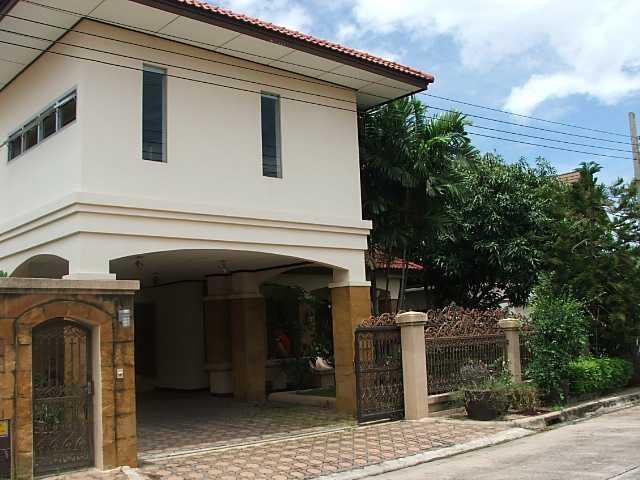 (บ้านเช่าไปแล้ว) บ้านเช่าศรีนครินทร์ / บ้านเดี่ยวให้เช่า หมู่บ้านมัณฑนา โครงการของ LandandHouse ตกแต