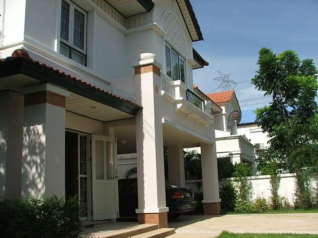 (มีผู้เช่าแล้วบ้านเช่า) รามคำแหง164 / บ้านสวยให้เช่า หลังมุม ใหม่กิ๊บ เฟอร์ครบ  ม.เพอร์เฟคเพลส