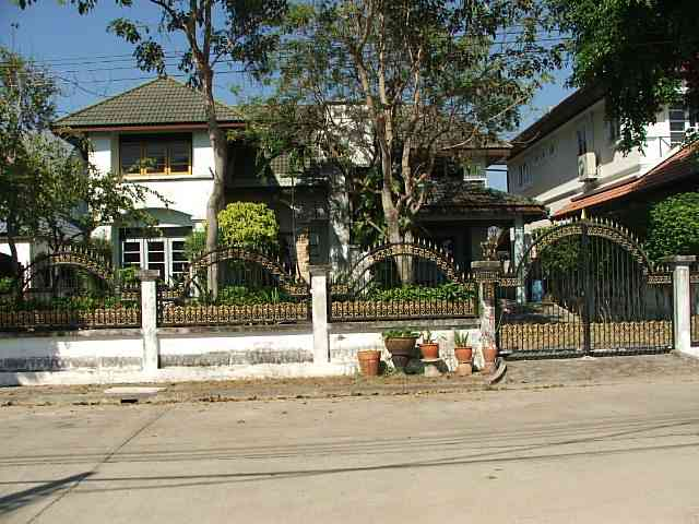 (มีผู้เช่าแล้ว) บ้านเช่าบางนา / บ้านสวยให้เช่า! หมู่บ้านกฤษดานคร บางนา กม.7 ใกล้เซ็นทรัล กว้างขวาง
