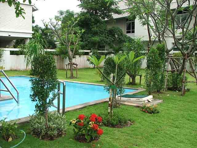 (มีผู้เช่าแล้ว)บ้านเช่ารามอินทรา / บ้านสวยให้เช่า! สระว่ายน้ำส่วนตัว ม.ปัญญารามอินทรา สาธารณูปโภคครบ