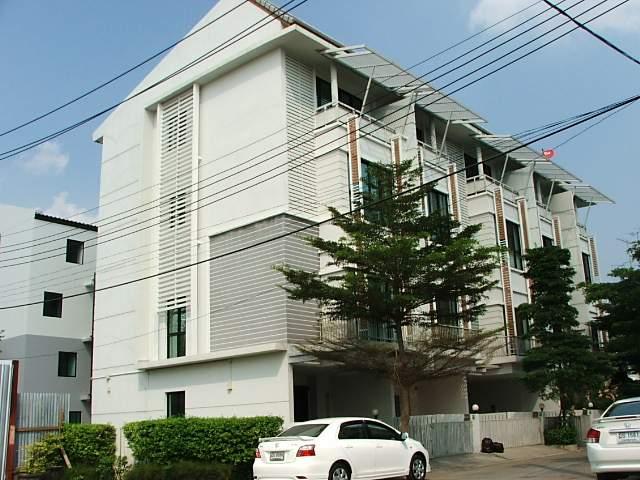 (มีผู้เช่าแล้ว) บ้านเช่าอ่อนนุช / Home Office ให้เช่า ทาวน์โฮม 4 ชั้น โครงการหรู อารียาแมนดารีน่า สุ 1
