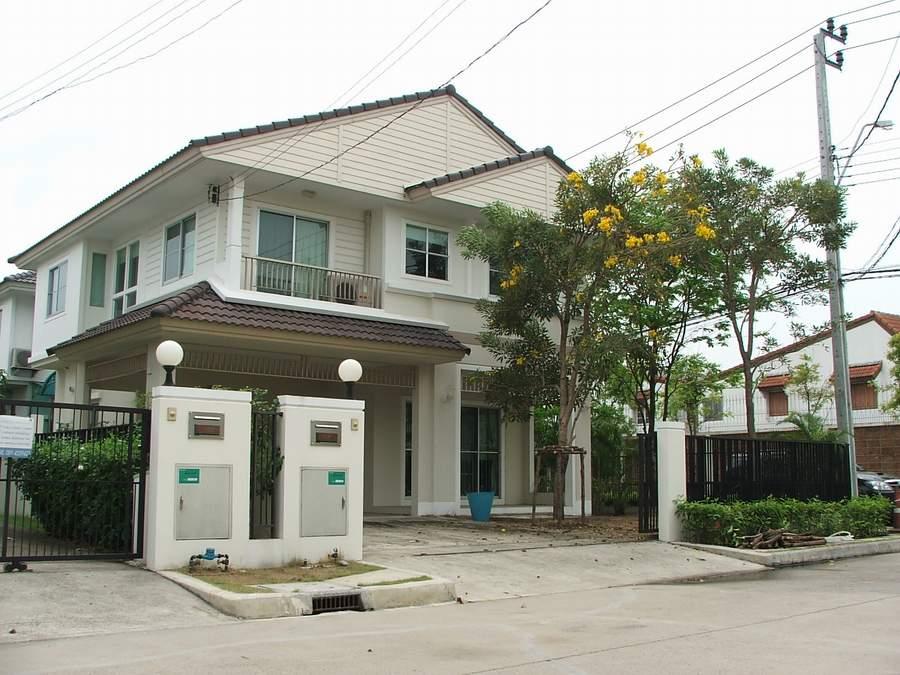 (มีผู้เช่าแล้ว) บ้านเช่าเพชรเกษม / บ้านสวยให้เช่า สภาพดี หมู่บ้านชัยพฤกษ์ เพชรเกษม81 หลังหัวมุม