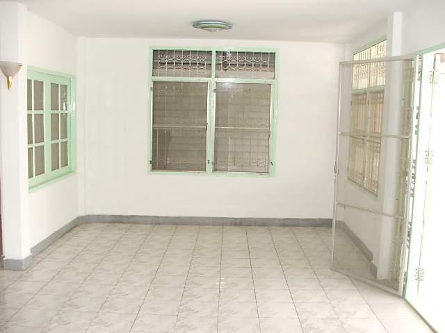 (บ้านเช่าไปแล้ว) บ้านเช่ารัชดา / บ้านเช่าราคาถูก ย่านรัชดา-ห้วยขวาง-เหม่งจ๋าย ใกล้โรงเรียนจันทร์หุ่น 3