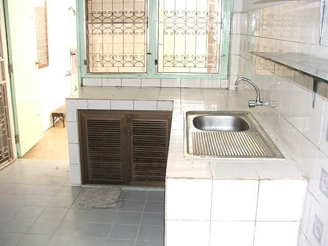 (บ้านเช่าไปแล้ว) บ้านเช่ารัชดา / บ้านเช่าราคาถูก ย่านรัชดา-ห้วยขวาง-เหม่งจ๋าย ใกล้โรงเรียนจันทร์หุ่น 5
