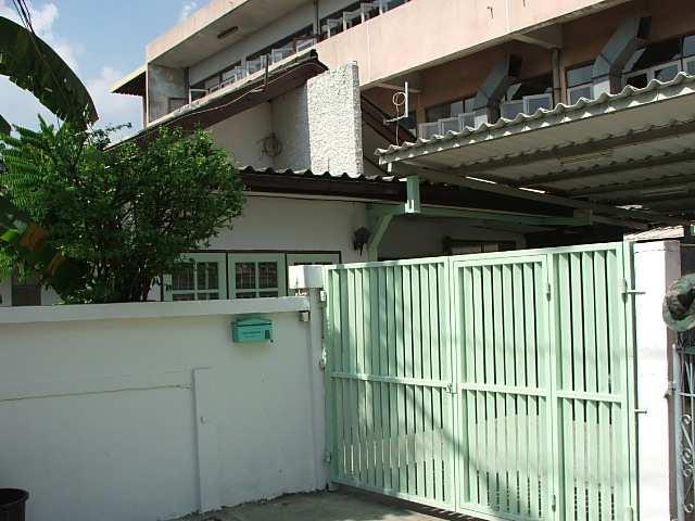 (บ้านเช่าไปแล้ว) บ้านเช่ารัชดา / บ้านเช่าราคาถูก ย่านรัชดา-ห้วยขวาง-เหม่งจ๋าย ใกล้โรงเรียนจันทร์หุ่น 10