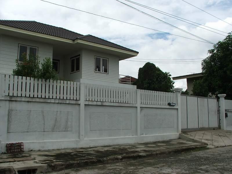 (บ้านเช่าไปแล้ว) บ้านเช่าเสรีไทย / บ้านเดี่ยวให้เช่าใกล้ The Mall บางกะปิ หมู่บ้านสหกรณ์ เสรีไทย บ้า 2