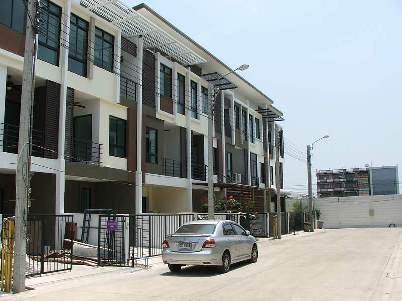 (บ้านเช่าไปแล้ว)บ้านเช่าเอกชัย-บางบอน / ให้เช่าราคาถูก ทาวน์โฮมใหม่ 3ชั้น โครงการ Sixnature เอกชัย64 3