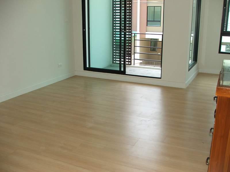 (บ้านเช่าไปแล้ว)บ้านเช่าเอกชัย-บางบอน / ให้เช่าราคาถูก ทาวน์โฮมใหม่ 3ชั้น โครงการ Sixnature เอกชัย64 7