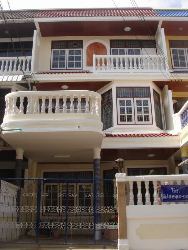 (บ้านเช่าไปแล้ว) บ้านเช่าจรัญ / ทาวน์เฮาส์ใหม่ให้เช่า อยู่ซอยจรัญ48 ทำเลดีใกล้ห้างเซ็นทรัลปิ่นเกล้า