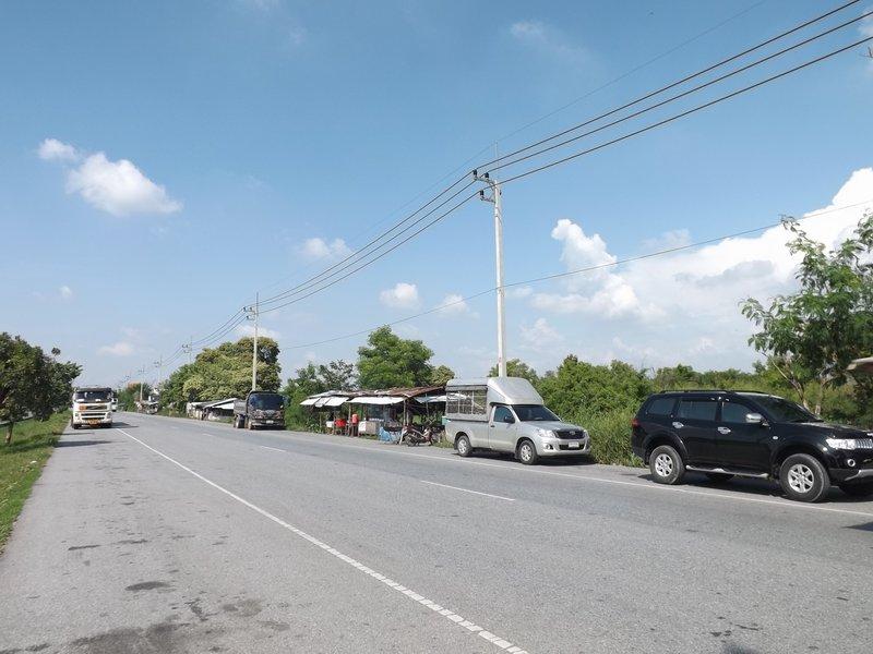 (บ้านเช่าไปแล้ว) ที่ดินให้เช่าราคาถูก / ที่ดินเปล่า 6 ไร่ ติดถนนคู่ขนานทางด่วนบางนา-บางปะอิน