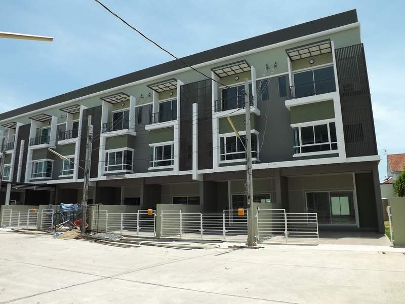 (บ้านเช่าไปแล้ว) บ้านเช่ารามคำแหง144 / NEW HOME OFFICE ให้เช่าทำเลดี ทาวน์โฮมใหม่หลังมุม กว้างขวาง