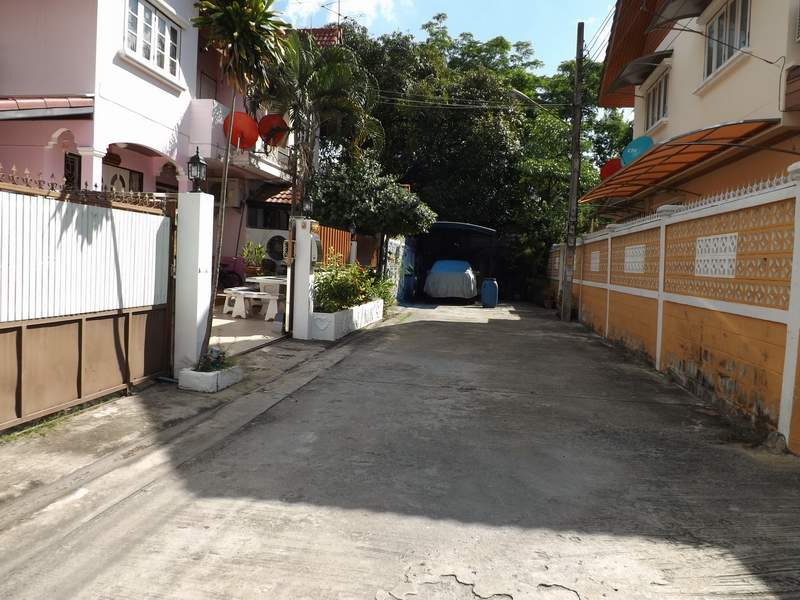 บ้านเช่ารามอินทรา / บ้านเช่าราคาถูก ทำเลดี เลียบด่วนรามอินทรา-นวลจันทร์ น่าอยู่ จอดรถได้ 2-3 คัน 2