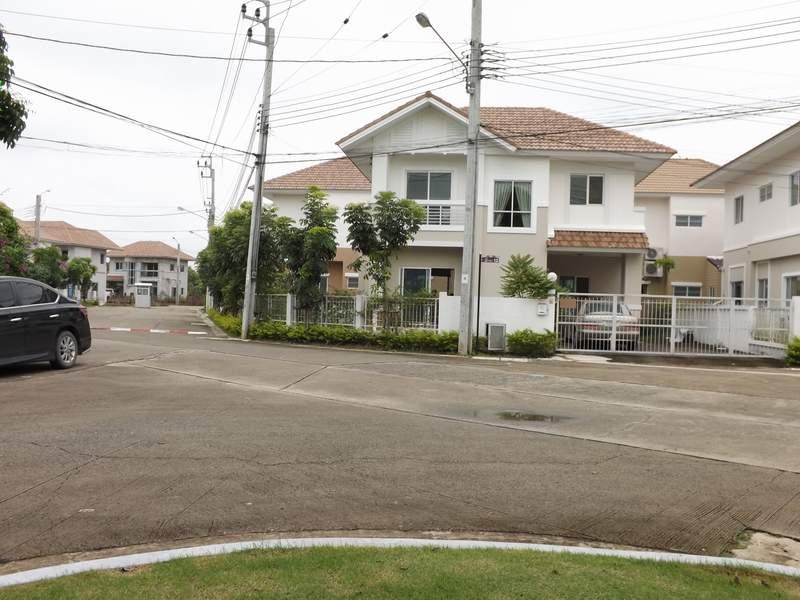 (บ้านเช่าไปแล้ว) บ้านเช่าวัชรพล / บ้านเดี่ยวให้เช่า ทำเลดีใกล้ทางด่วน Lanceo วัชรพล-ทางด่วน