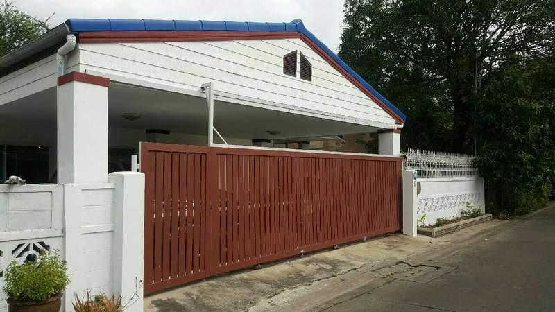 (บ้านเช่าไปแล้ว) บ้านเช่าใกล้รถไฟฟ้ารัชดา / HOMEOFFICE ปรับปรุงใหม่ กว้างขวาง 80 ตรว.จอดรถ 4คัน