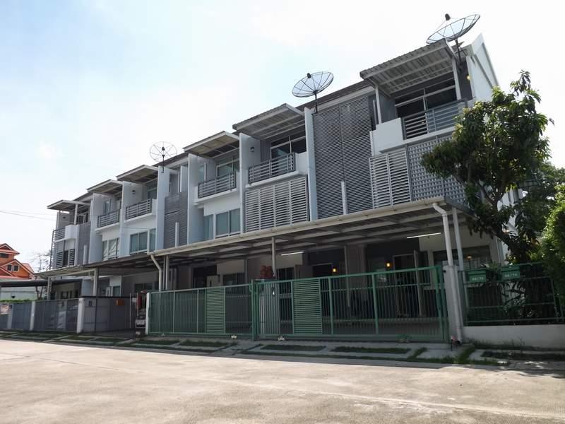 (บ้านเช่าไปแล้ว) บ้านเช่ารามคำแหง-กรุงเทพกีฑา / TOWNHOME สภาพดี BaanMai