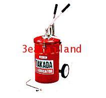 ถังอัดน้ำมันเกียร์ TAKADA ชนิดมือโยก HO-70M
