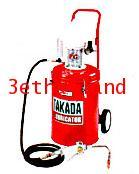 ถังอัดน้ำมันเกียร์ TAKADA ชนิดใช้ลม MO-95