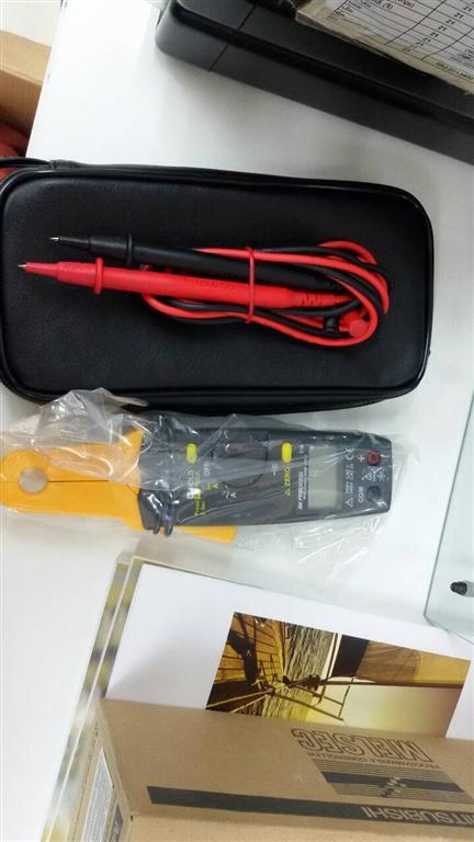 316, Mini AC/DC Clamp Meter - BK Precision