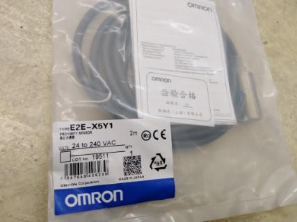 OMRON E2E-X5Y1-M18 ราคา1380บาท