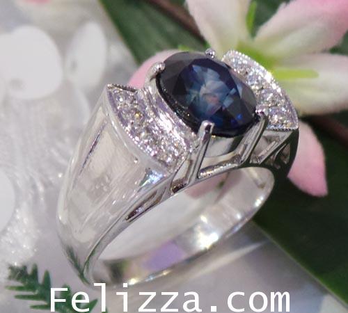 แหวนพลอยไพลิน ประดับเพชรแท้เบลเยี่ยมคัท RI00388-115 (DAXX)