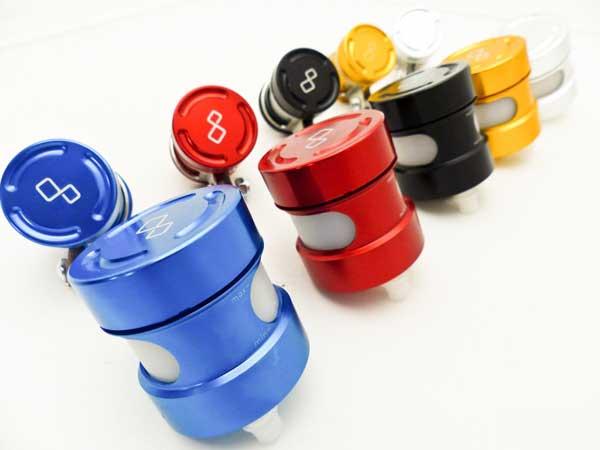 Lightech - กระปุกน้ำมัน และ ขาติดตั้ง สำหรับรถทุกรุ่น มีสี แดง , น้ำเงิน , ดำ สำหรับ StreetFighter