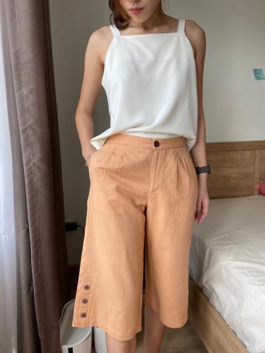 กางเกงขาบาน 4 ส่วน เอวขอบหน้ายางหลัง กระเป๋าคู่หน้า ผ้ายีนส์เนื้อบางและผ้า ลินินวิสโคส AP-18081