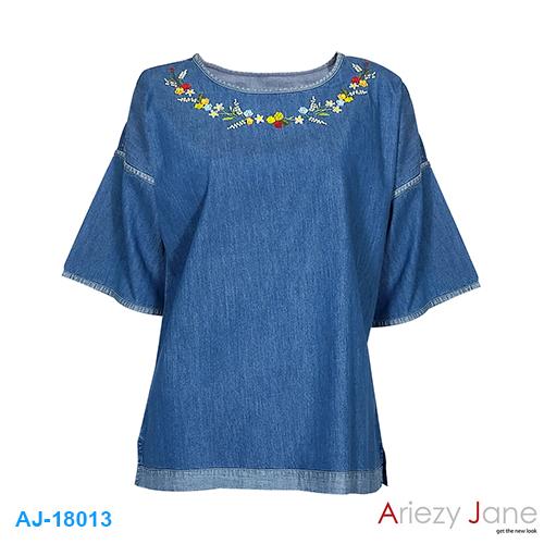 เสื้อคอปาด ยีนส์แขน 3 ส่วนปักดอกไม้ AJ-18013