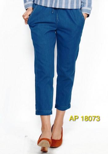 กางเกงยีนส์7ส่วน เอวยางผูกเชือก ปลายขาพับ ผ้าค้อต้อตสแปนเด็กซ์ฟอกสีกลาง AP-18073