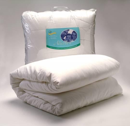 ชุดเครื่องนอนสำหรับป้องกันภูมิแพ้จากไรฝุ่น พร้อมปลอกผ้านวม ขนาด 6 ฟุุต สีขาว ( King Set - White )